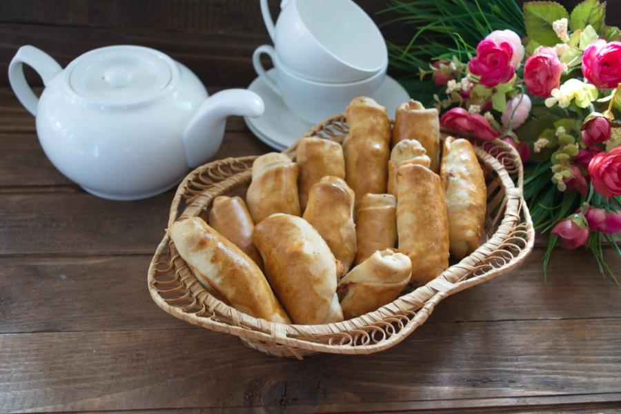 Пирожки с сосисками и сыром - фото шаг 8