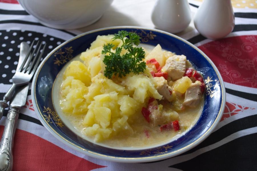 Курица с овощами и ананасами - фото шаг 7