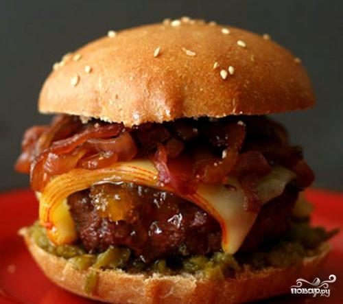 Чизбургер с луковым джемом