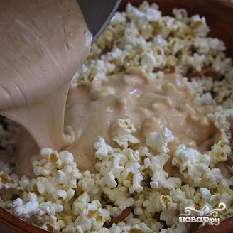 Пирожные из попкорна с миндалем - фото шаг 5