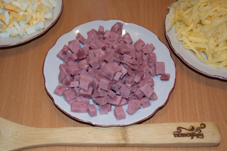 """Салат """"Восторг"""" с корейской морковкой - фото шаг 2"""