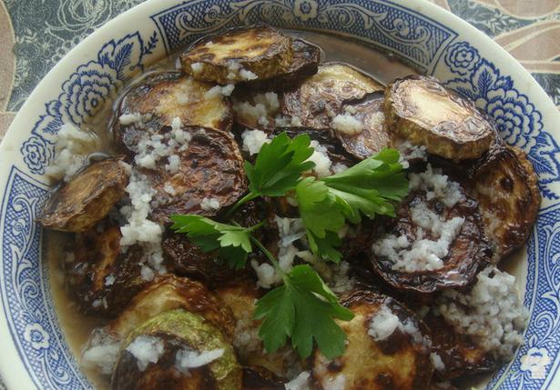 Жареные кабачки с уксусом и чесноком - фото шаг 4