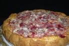 Пирог из клубники в мультиварке
