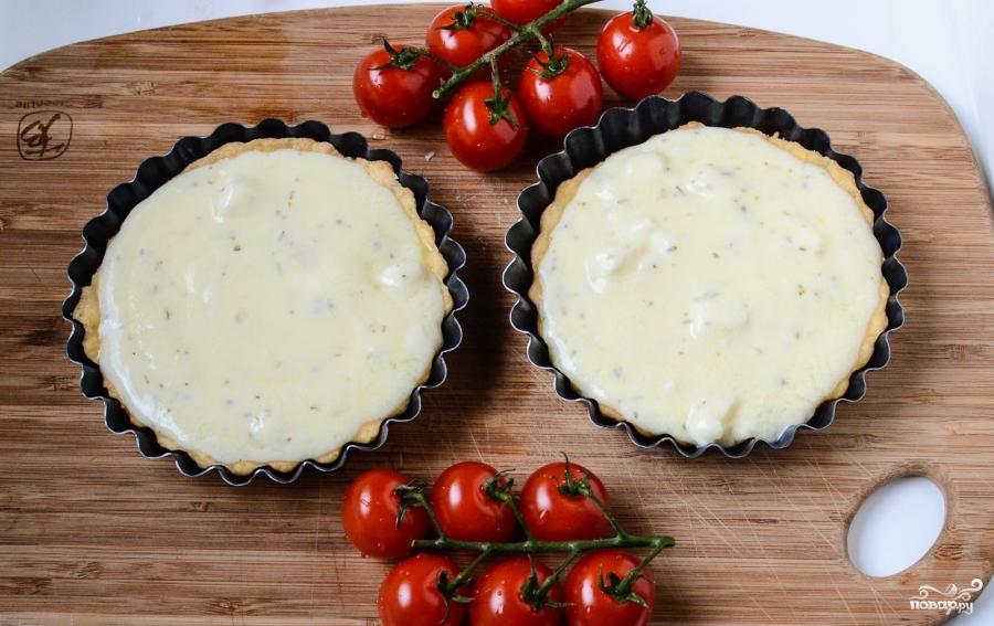 Тарталетки с сыром и помидорами - фото шаг 7