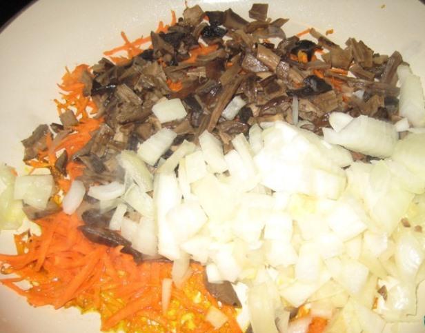 Сырный суп с белыми грибами   - фото шаг 3