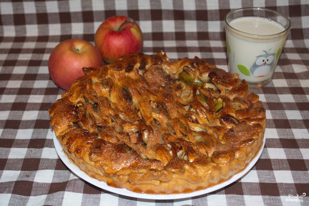 Пирог с яблоками из дрожжевого теста