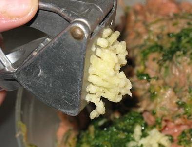 Рыбные котлеты с грибами - фото шаг 2