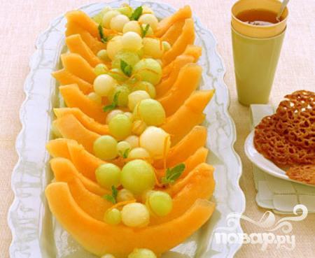 Дыня с апельсиновым соусом