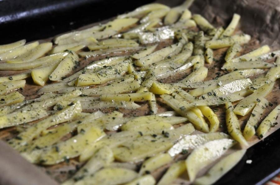 Диетическая картошка в духовке - фото шаг 3