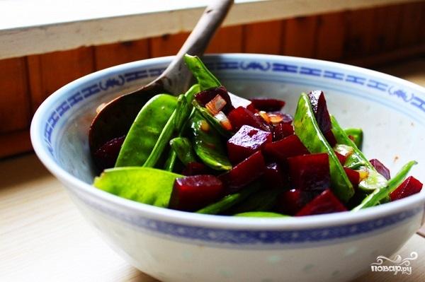 Простой салат из свеклы вареной