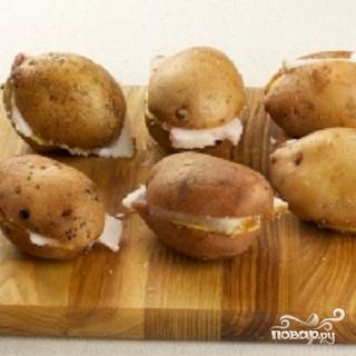 Картофель,  запеченный с салом - фото шаг 1