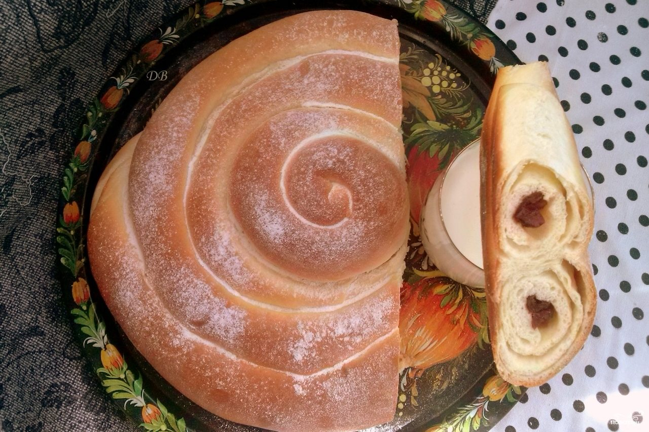 "Пирог ""Улитка"" с вишней"