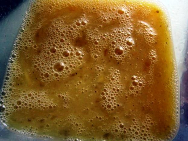 Куриный суп с яичными блинчиками - фото шаг 3