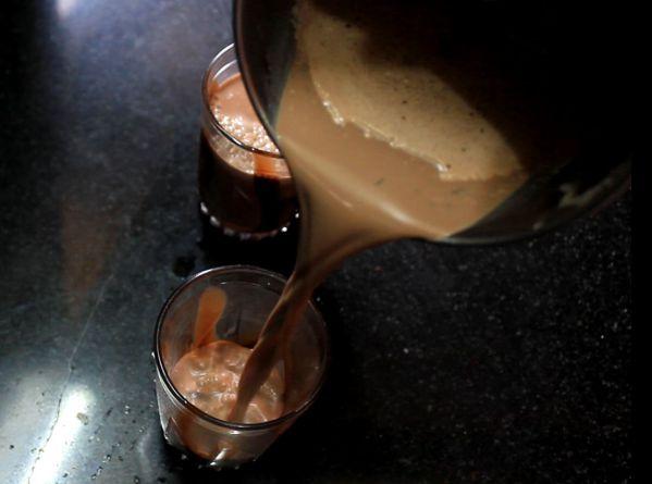 Кефир с медом - фото шаг 2
