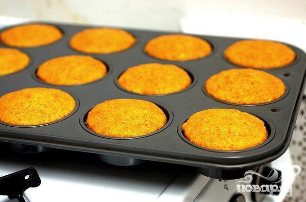 Морковные маффины со сливочной глазурью - фото шаг 4