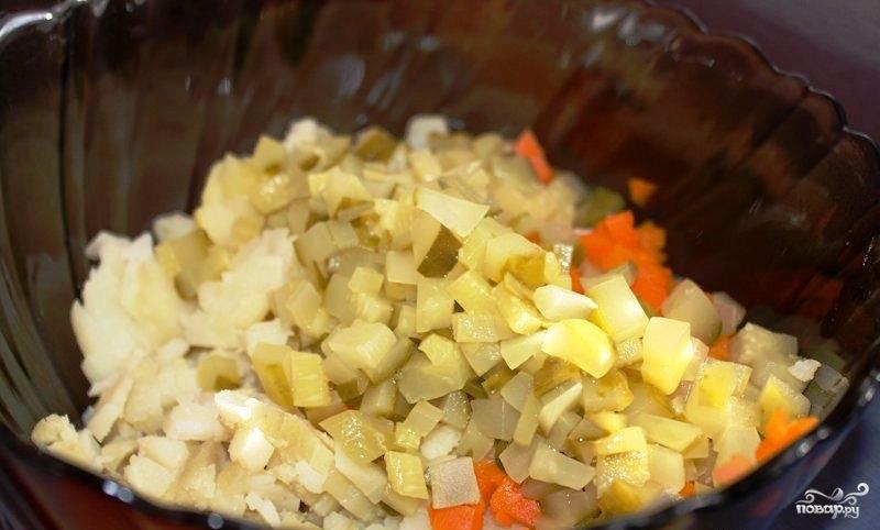 Сытный новогодний салат - фото шаг 12