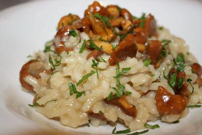 Лисички, жареные с рисом - фото шаг 9