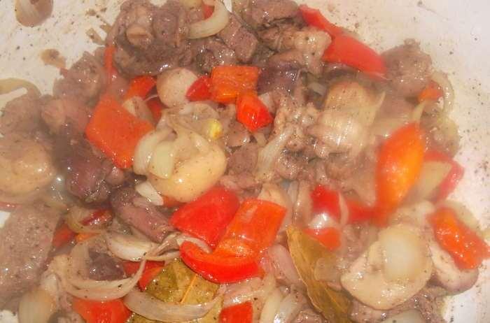Жаркое из грибов с картошкой - фото шаг 4