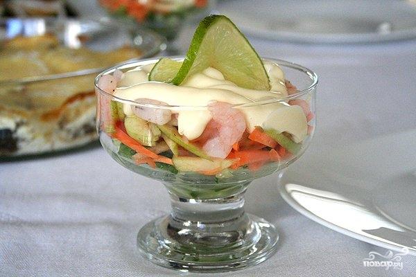 Простой салат из креветок