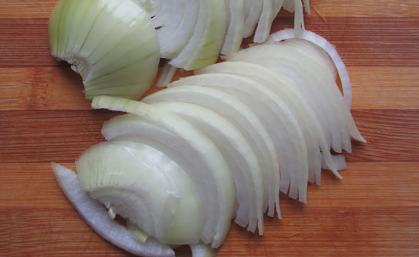 Рецепт Жареная свинина кусочками с луком
