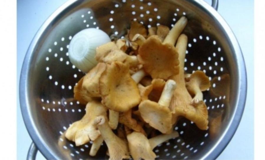 Рецепт Жареные лисички с луком