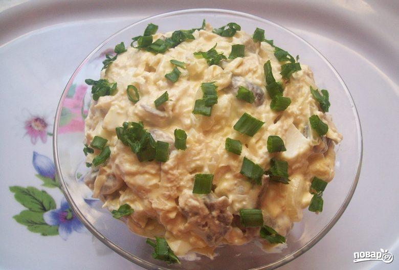 Салат из шампиньонов и курицы