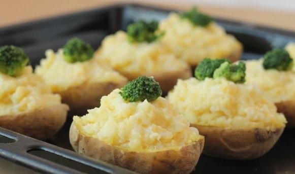 Картофель с брокколи в духовке - фото шаг 13
