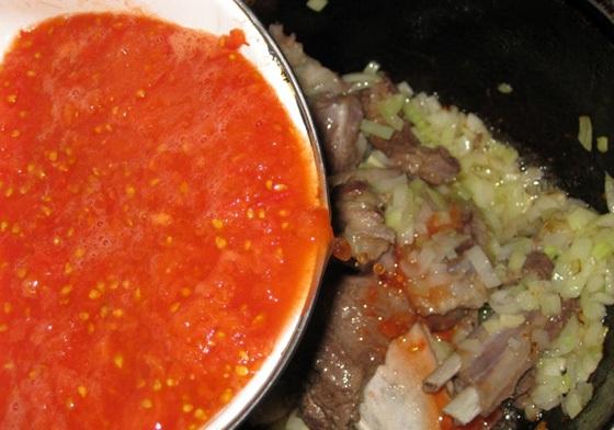 Баранина в томатном соусе - фото шаг 5
