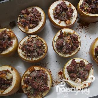Запеченные яблоки с мясной начинкой - фото шаг 7