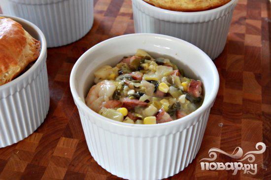 Пироги с креветками и колбасой - фото шаг 8