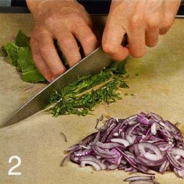 Салат из помидоров с песто - фото шаг 2