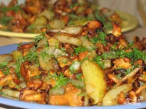 Рецепт Картошка с лисичками в мультиварке
