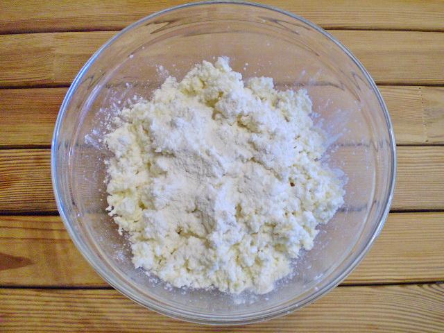 Сырники классический рецепт - фото шаг 3