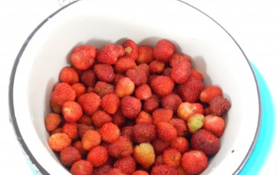 Рецепт Клубника с сахаром на зиму без варки