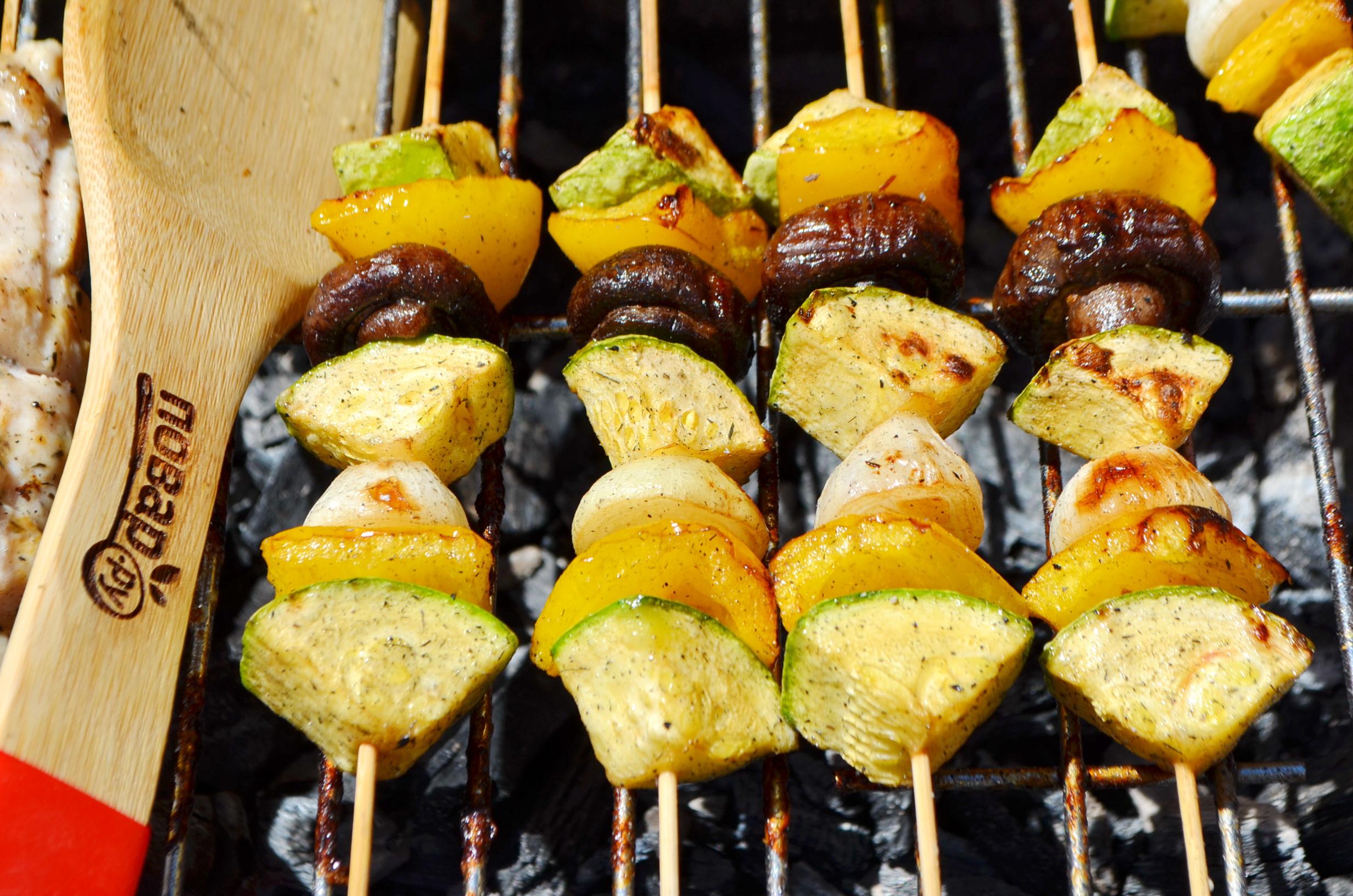 Овощи на гриле, шаг 5: жарьте овощи на гриле 15 минут