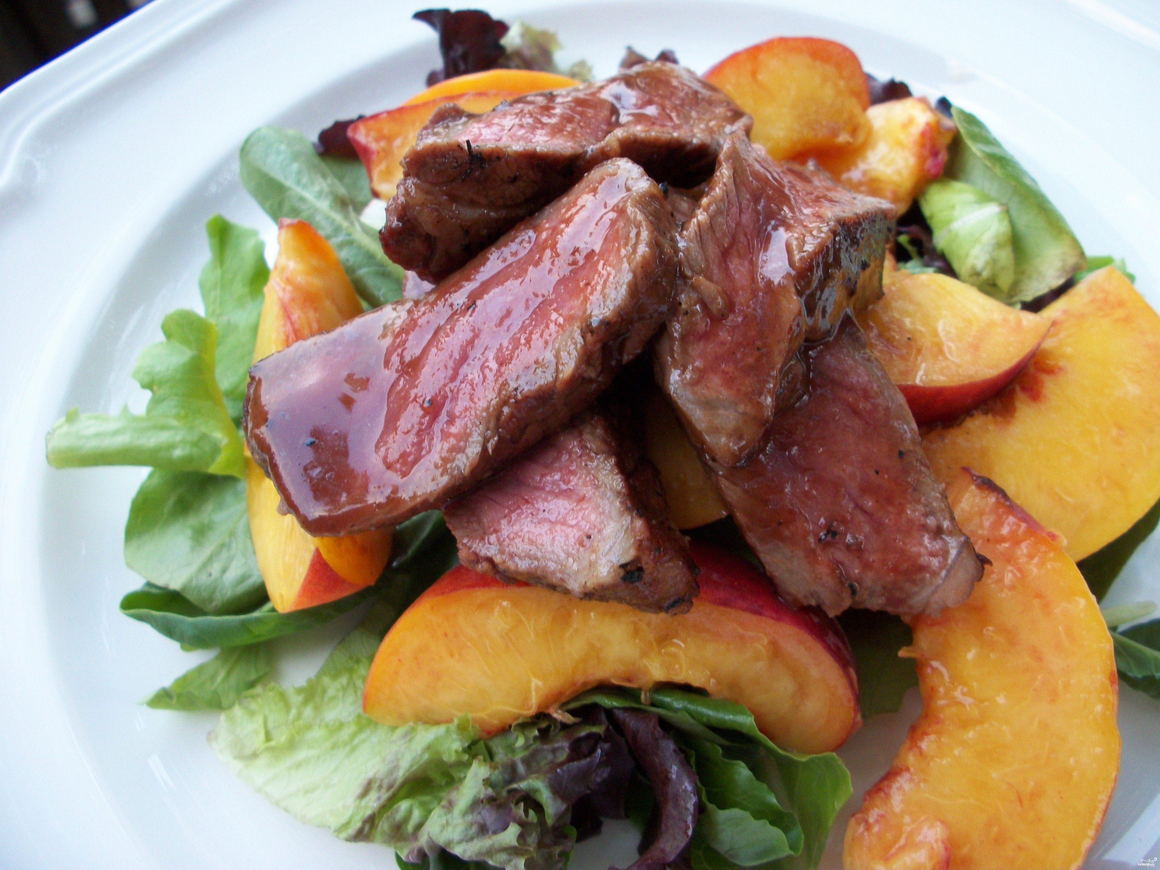 Рецепт Говядина с персиками