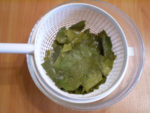 Виноградные листья на зиму - фото шаг 4