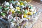 Салат с беконом и сухариками