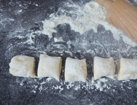 Быстрые жареные пирожки - фото шаг 3