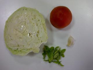 Рецепт Салат из капусты, помидоров и чеснока