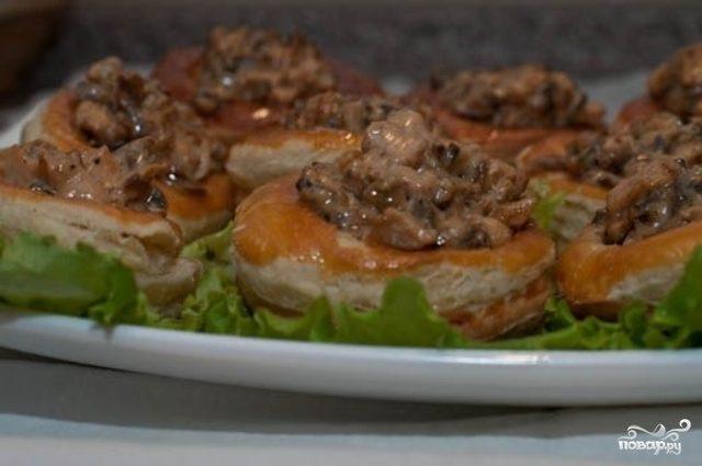Рецепт Волованы с курицей и грибами