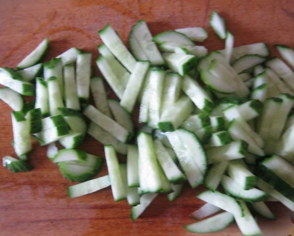 Рецепт Вкусный салат с копченой курицей