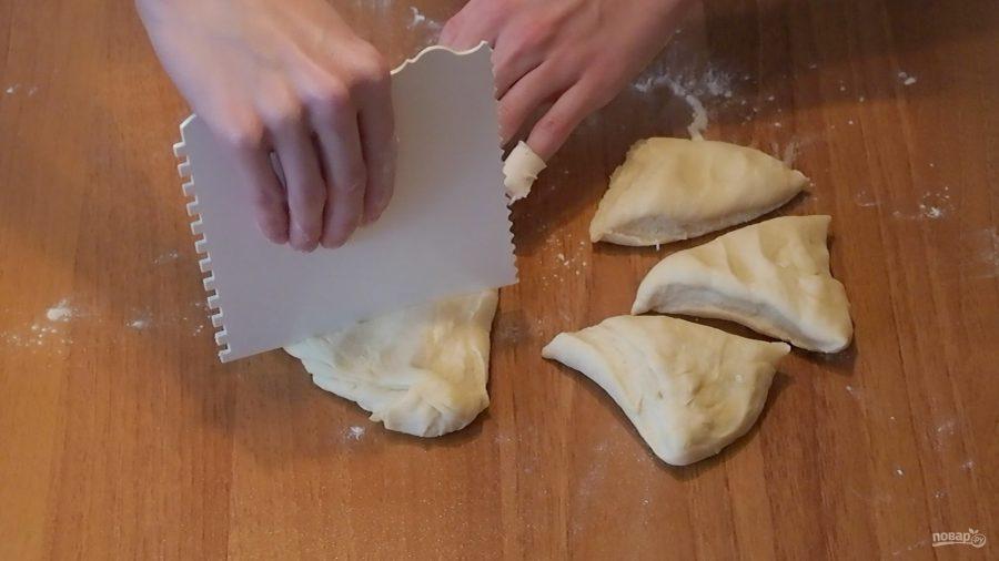 Лепешки наан с сыром и зеленью
