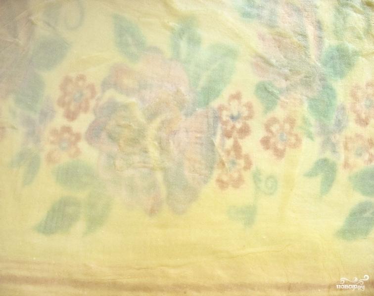 Штрудель из творожного теста с вишневой начинкой - фото шаг 5