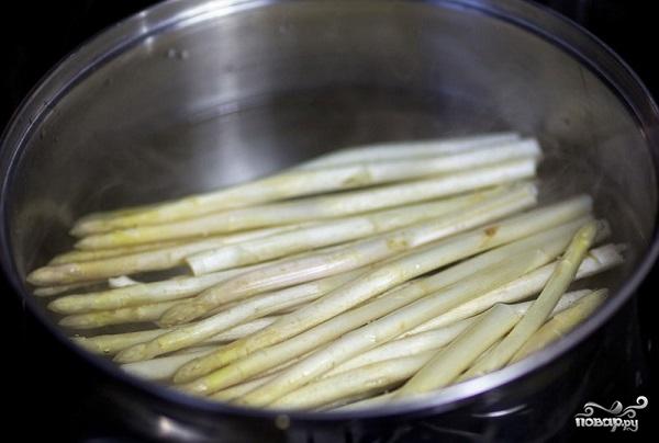 Салат с жареными креветками - фото шаг 4