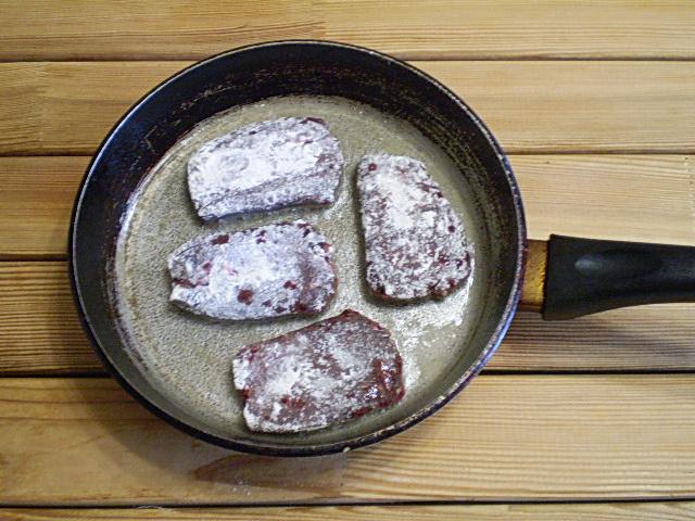 Говяжья печень жареная - фото шаг 4