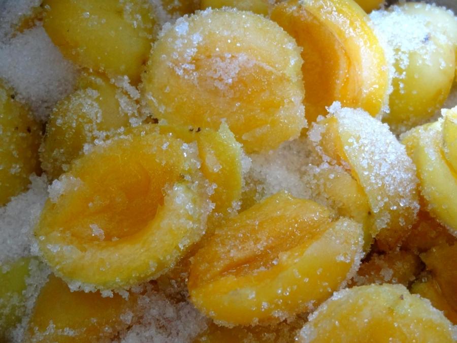 Варенье из абрикосов без косточек - фото шаг 3