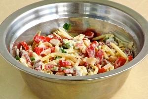 Крабовый салат с зеленым луком - фото шаг 9