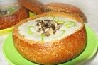 Литовский грибной суп в хлебе