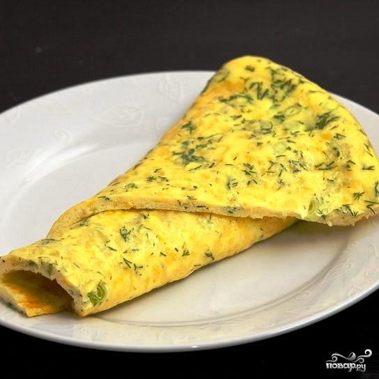 Омлет со сметаной и сыром - фото шаг 8